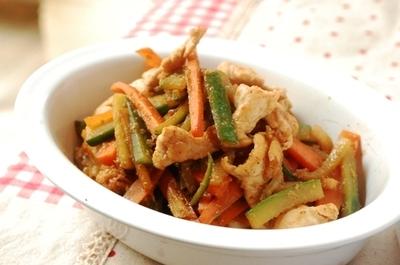 鶏ときゅうりの生姜焼き