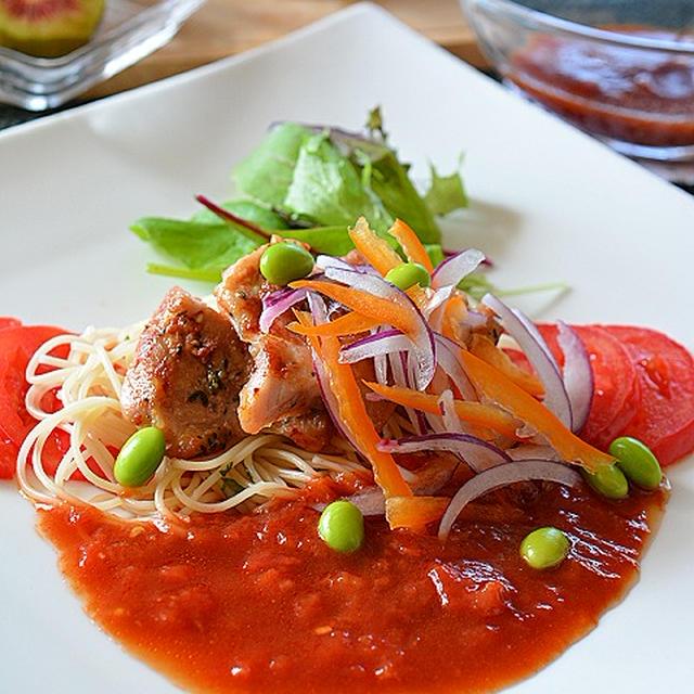 塩麹鶏のタイム&パプリカ風味 ☆ トマトソース添え