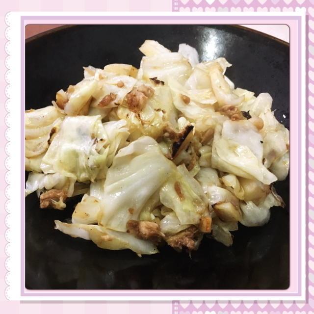 キャベツとツナのガーリック醤油炒め(レシピ付)