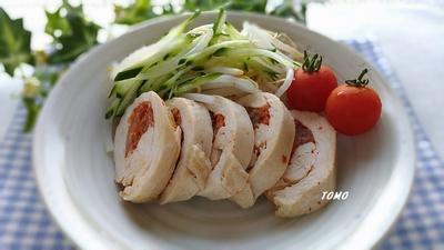節約料理♪レンジで簡単!鶏胸肉のキムチロール蒸し
