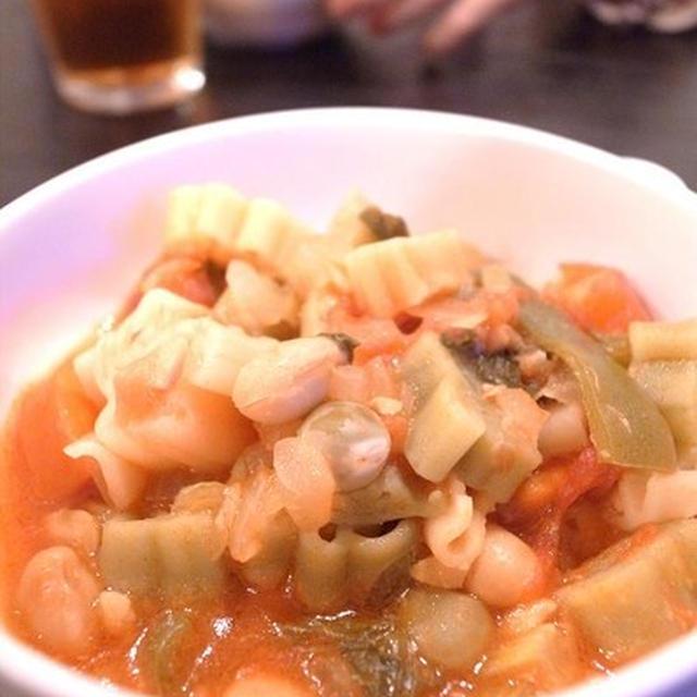 キャラクターのショートパスタ入り豆スープ|週末12(土)は後楽園、12日(日)は七戸で講演