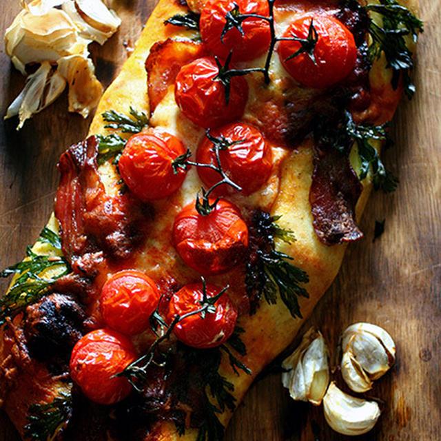 トマト&ベーコンのフォカッチャ