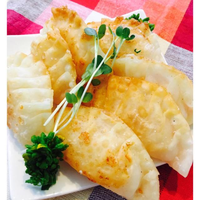 生ハムとチーズの揚げ餃子