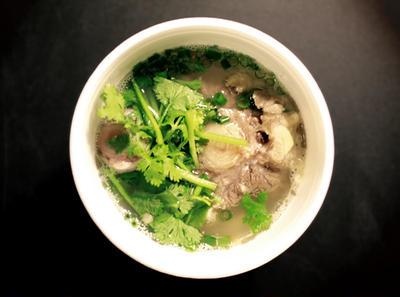Oxtail Soup / Hawaiian Style