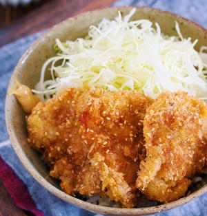 マヨ衣で超簡単!サクサク&お肉柔らか♪『ソース紙カツ丼』【#作り置き #お弁当 #主食 #主菜 #豚肉】