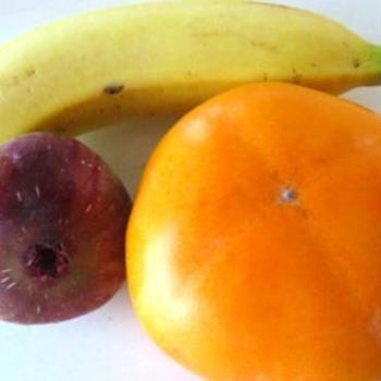 柿とまだある無花果を皮ごと食べる方法