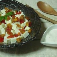 チーズと豆腐のサラダ・柿ヨーグルトドレッシング