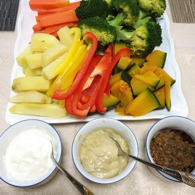 水切りヨーグルトで☆温野菜サラダとバースデーケーキ