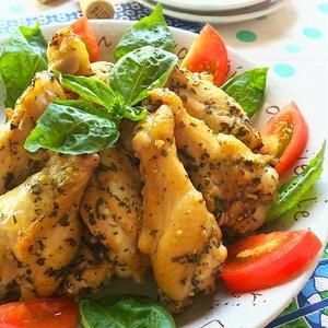 鶏肉料理のマンネリ解消♪やみつきバジルチキンレシピ