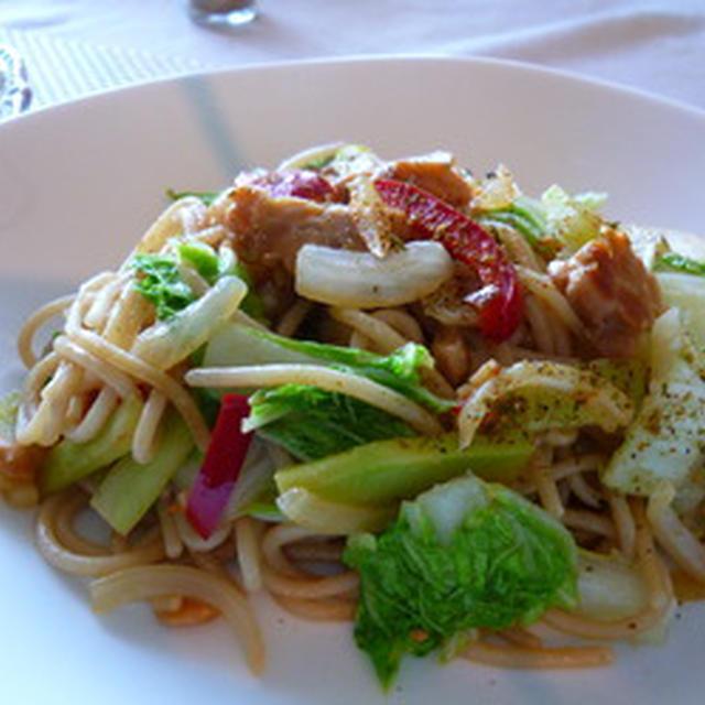 もっちり美味しい♪白菜とテンペの玄米パスタ