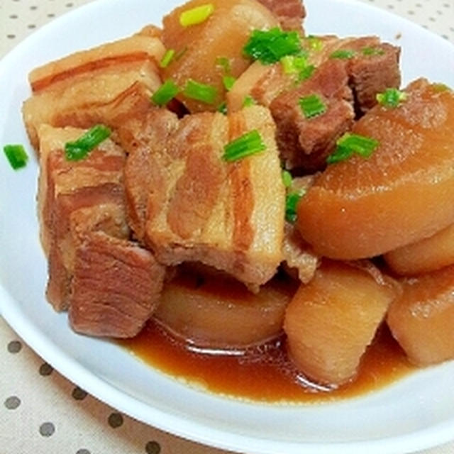 柔らかくて失敗なし♪簡単✿豚バラと大根の煮物❤