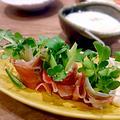 貝割れ菜ときゅうりの生ハム巻き