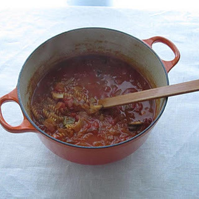 早ゆでパスタ入りトマトスープ
