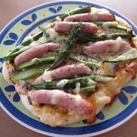 【福島クッキングアンバサダー】福島県産アスパラガスとソーセージのピザ♪甘酒白ごまパン