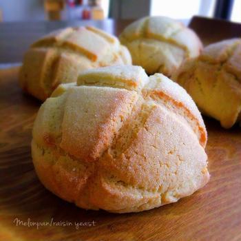 レーズン酵母のメロンパン