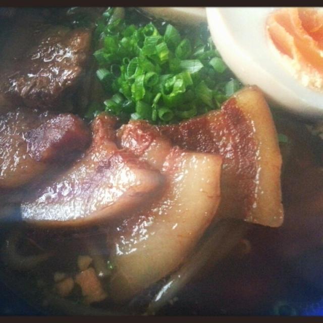 麺類大好き♡ら~めんも大好き♡ぼっちら~めんもトッピングは豪華よ~~~ん( *´艸`)
