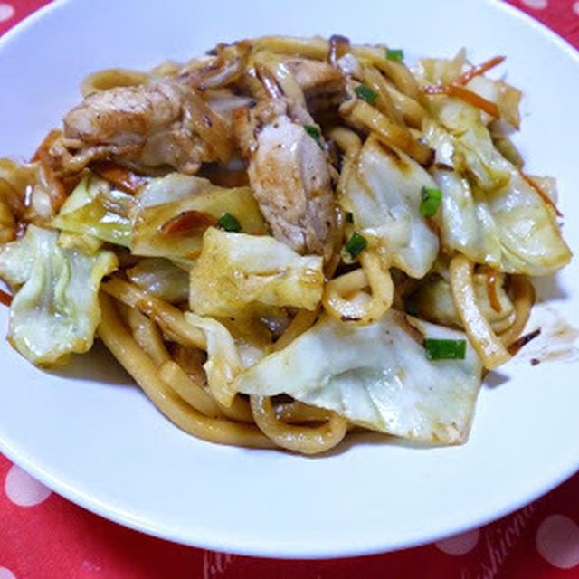 【ほど塩レシピ】キャベツと鶏肉のマヨポン焼きうどん