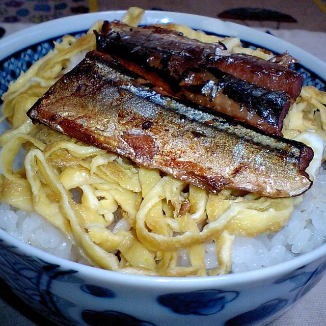 さんまの蒲焼錦糸卵丼