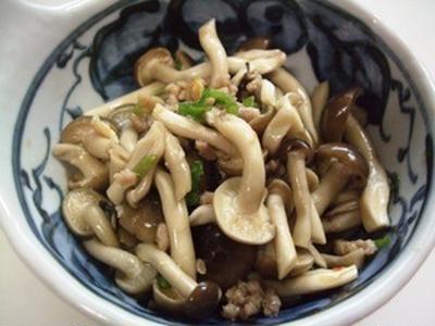 しめじと挽肉オイスター炒め(レンジ)
