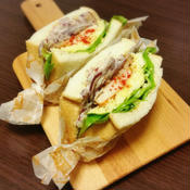 パプリカチキンソテーのサンドイッチ