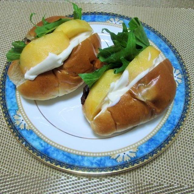 簡単でオシャレ?!柿とチーズのロールパンサンド