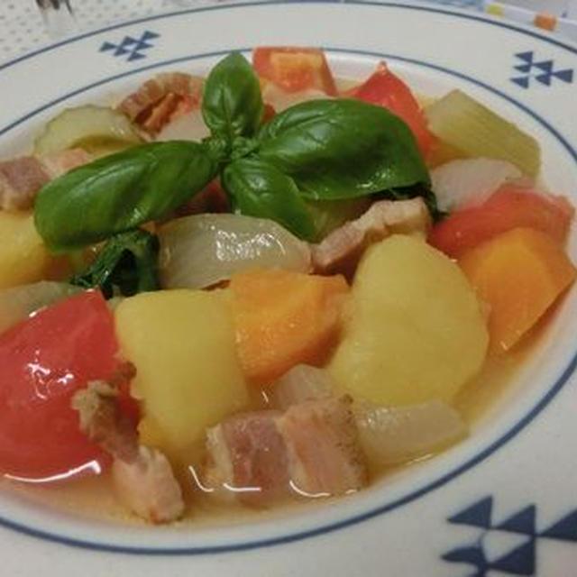 セロリとトマトとベーコンで☆ 洋風肉じゃが