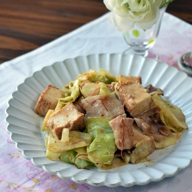 厚揚げ、キャベツ、豚バラのオイマヨ炒め
