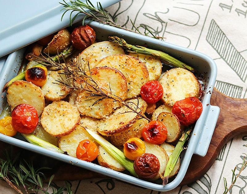 新じゃがを楽しもう!オーブンインで簡単のご馳走風レシピ