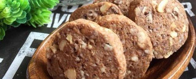 香ばしナッツがアクセント♪ココアの焼き菓子レシピ