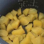 炊飯器でりんごの甘煮
