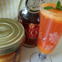 柿の熟れ熟れカクテルとポッケに手を入れるジフ15