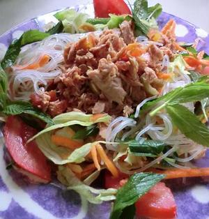 野菜たっぷりツナと春雨のおかずサラダ