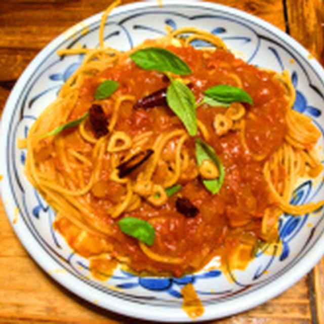 初めて作ったトマトとモッツァレラチーズのスパゲティ