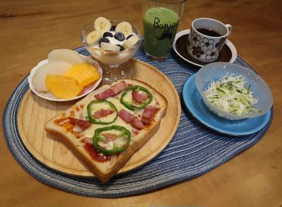 朝昼版で食べたもの~ピザトースト&カレー&信州そば♪