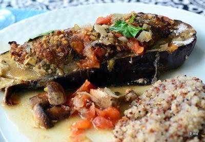 オーブンに入れるだけでソースもOKな茄子のファルシー またまた簡単な料理です。