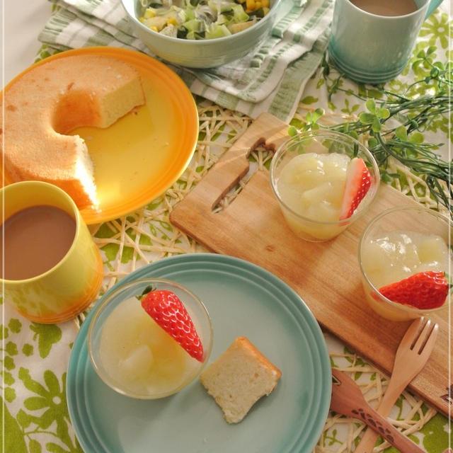 材料3つ♪白桃のふわとろ寒天ゼリー♪と米粉のチーズシフォン♪と米粉のフォンダンショコラ★