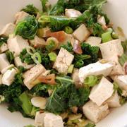 [ケールと豆腐のサラダ〜にんにくドレッシング]と「スターのつぶやき・おうちバーベキュー」