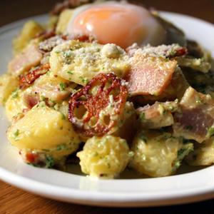 「ひよこ食堂」自慢のアレンジポテトサラダレシピ♪鶏むね肉にれんこん、豆腐入りも!