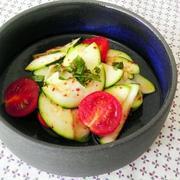 初夏のもう1品に!ズッキーニは「生で食べる」のが断然美味しい