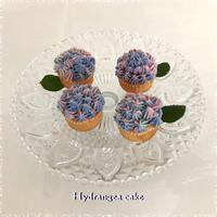 ケーキに咲いた・・紫陽花の花☆