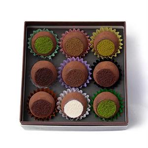 抹茶、ほうじ茶、日本酒を使った翠など、くちどけなめらかなトリュフチョコレートが全9種類。全て京都の四...
