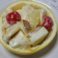 【グレープフルーツとりんごのヨーグルトサラダ】