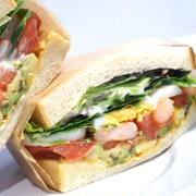 ヘルシー&ボリューミー!女性に嬉しいサンドイッチとスイーツの専門店がオープン