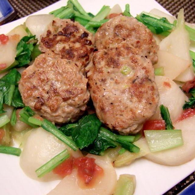 やっぱり野菜が食べたい☆ イワシのハンバーグ、梅風味の蕪添えと白菜のひき肉巻き