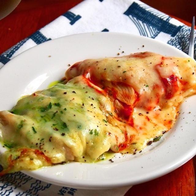 【サラダチキンアレンジレシピ】チーズたっぷり「ピザ風チキン」