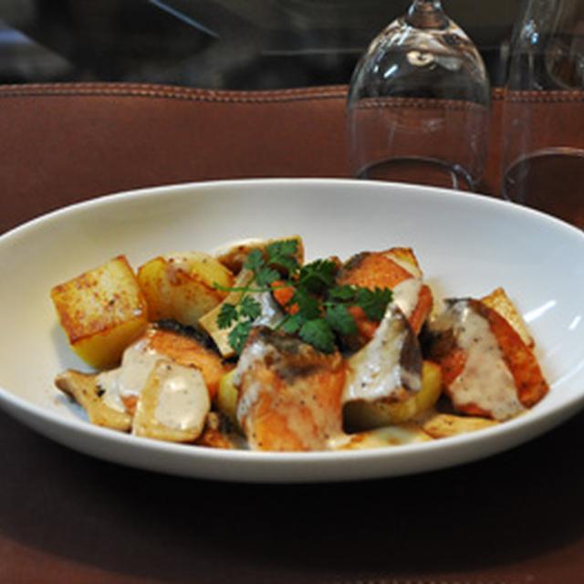 * GABAN黒胡椒シーザードレッシングモニター「鮭とジャガイモの粗挽きコショウ炒め」。 *