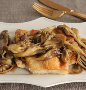 簡単・節約!鶏むね肉のソテー舞茸バターしょうゆソース
