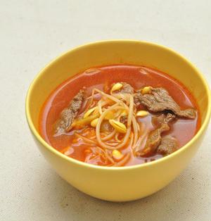 うま辛いキムチと豆もやしのスープ