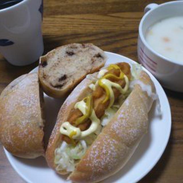 チョコチップパンとロールパンと塩麹でサイコロステーキ♪