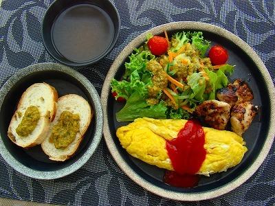 簡単タンドリーチキンと、トマトバジルソースのサラダプレート